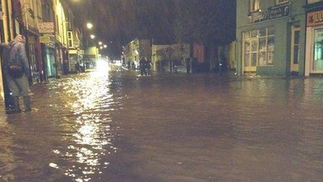 _64328293_floods_llanberis